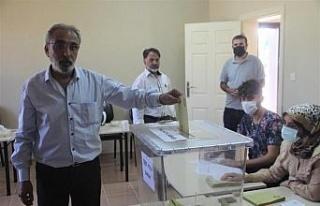Elazığ'da referanduma gidilen köyden 'evet'...