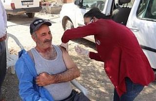 Kovancılar 'da aşı seferberliği, ekipler kapı...