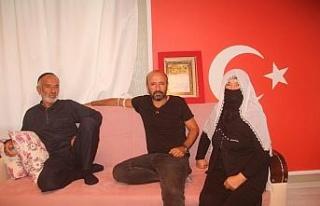 Meral Akşener'in kahvehane ziyaretinde tepki gösteren...