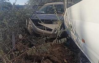 Elazığ'da 2 kişinin yaralandığı kaza anı...