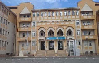 Elazığ'da iki farklı okuldaki iki sınıfta korona...