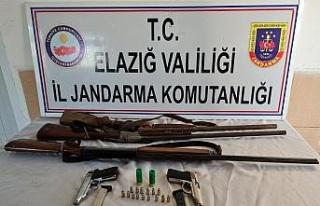 Elazığ'da ruhsatsız silah operasyonu