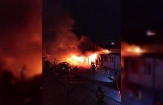 Elazığ'da işçilerin kaldığı konteynerde yangın
