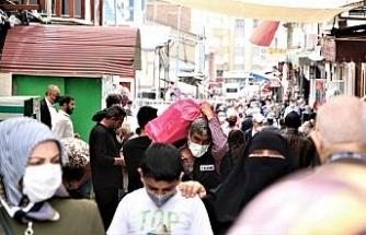 Elazığ'da kısıtlama öncesi alışveriş yoğunluğu