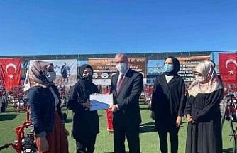 Karakoçan'da tarım makinası dağıtımı ve sertifika töreni