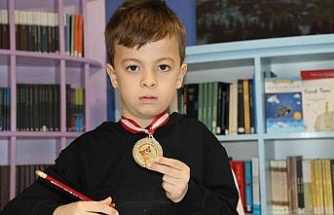 Matematiği sevmediği halde girdiği yarışmada dünya şampiyonu oldu
