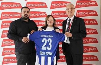 Medical Park Elazığ Hastanesi, Elazığ Karakoçan FK'nın sağlık sponsorluğu anlaşmasını yeniledi