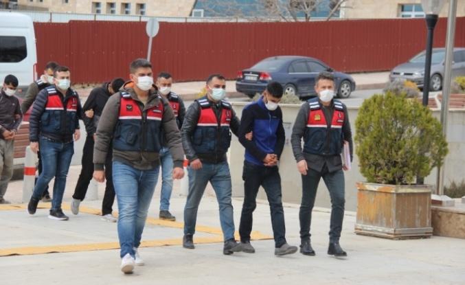 Elazığ'da hırsızlık yapıp Diyarbakır'da yakalanan 2 şüpheli tutuklandı