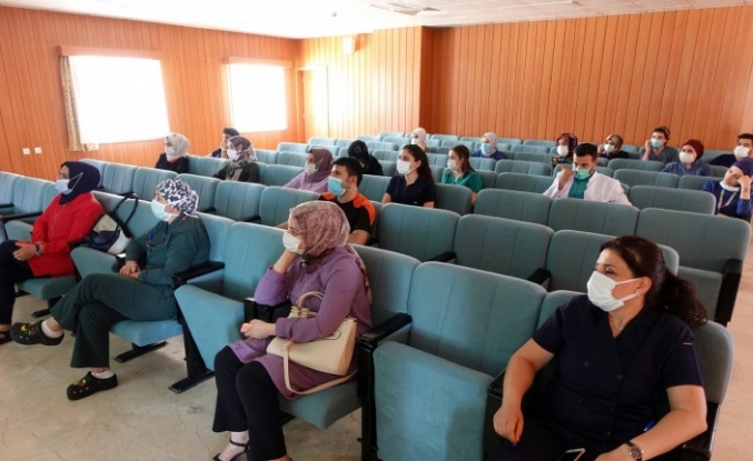 """FÜ'de yoğum bakım personeline """"Hastane Enfeksiyonlarının Önlenmesi"""" eğitimi"""