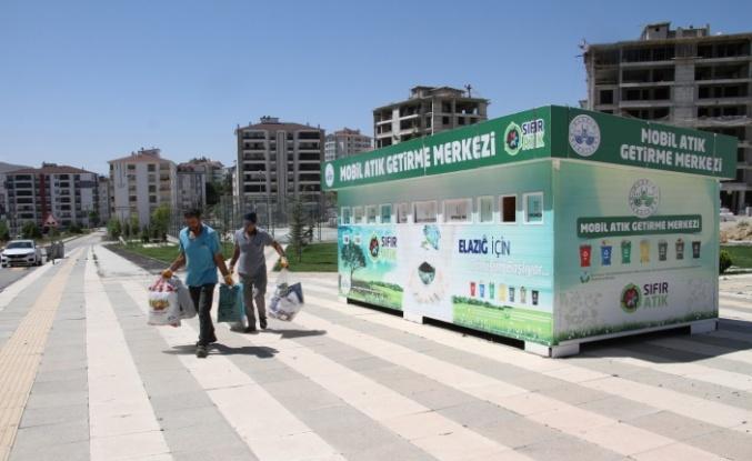 Emine Erdoğan startını vermişti, Elazığ Belediyesi kentin farklı noktalarına 'Mobil Atık Getirme Merkezleri' oluşturdu