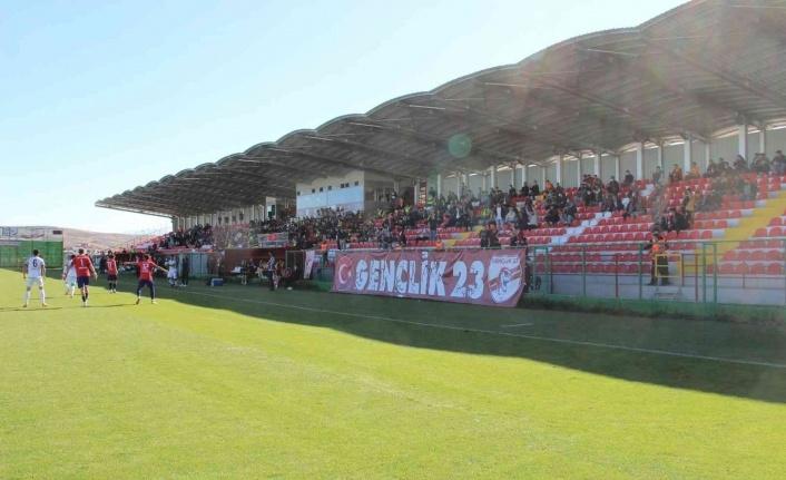Elazığspor - Kahta 02 Spor maçını 600 biletli seyirci izledi
